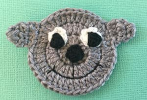 Crochet sheep face with eyes