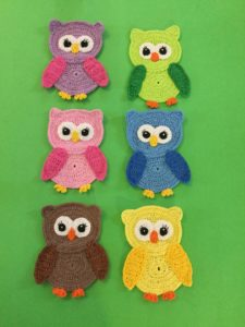 Finished crochet owl group portrait