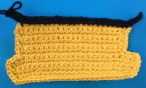 Crochet train carriage roof first row
