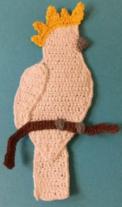 Crochet cockatoo body with claws