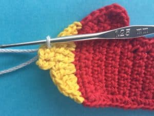 Crochet airplane applique joining for first propeller