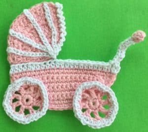 Crochet pram carriage with wheels